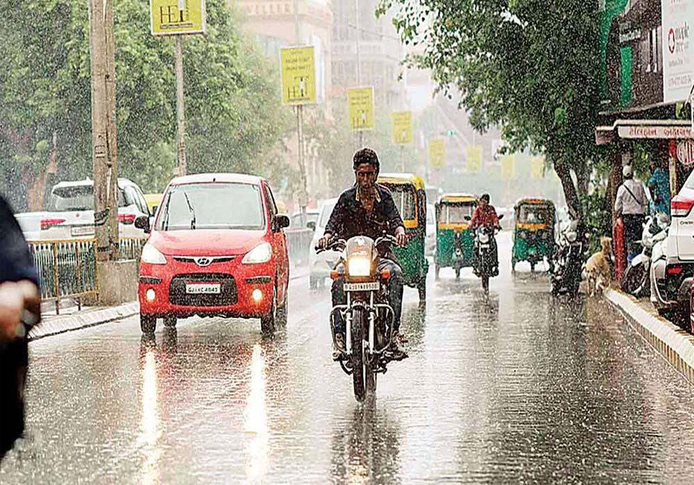 વરસાદ સાથે શરૂ થઈ અમદાવાદીઓની સવાર, આગાહી પ્રમાણે મેઘો ખાબક્યો, જુઓ VIDEO